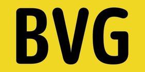 """Logo der Berliner Verkehrsbetriebe: Schwarze Großbuchstaben """"BVG"""" auf gelbem Grund"""