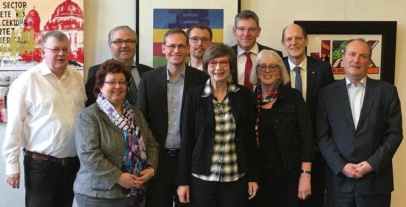 Die Berliner DGB-Gewerkschaften und der Regierende Bürgermeister Michael Müller machen sich gemeinsam für Berlin als weiterhin internationale, weltoffene und tolerante Stadt stark