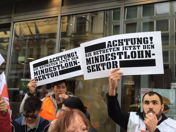 Warnstreik der Gewerkschaft NGG in der Systemgastronomie, Berlin 08.03.2017