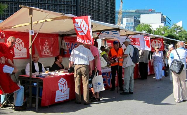 Stände der DGB-Gewerkschaften