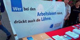 Teaser: Infotisch Aktionswoche in der Fußgängerzone Berlin-Spandau